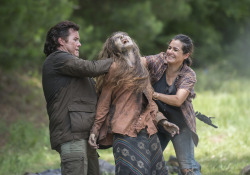 the-walking-dead-episode-505-eugene-mcdermitt-tara-masterson-935
