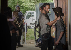 the-walking-dead-episode-507-rick-lincoln-carl-riggs-935